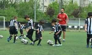 Beşiktaş Futbol Okulu Karadolap'ta (1)